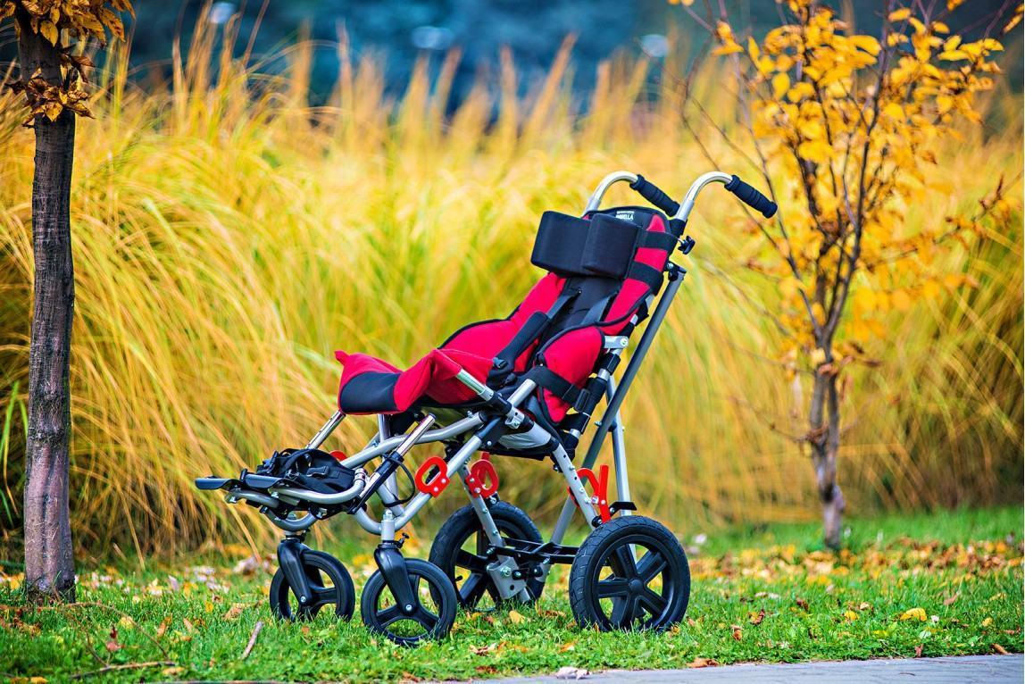 Как выбрать коляску-трость для ребенка с ДЦП?